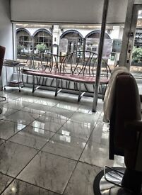 HAIRDRESSER CHAIR TO LET IN HAMPSTEAD