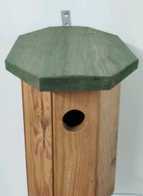 RSPB Bird House - Attract wildlife to your garden