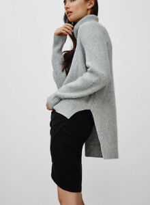 Aritzia Wilfred Turtleneck Sweater XXS