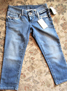 NWT Guess Capris - Size 26 (2)