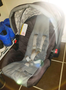 Graco Click Connect Snugride 35 Base included