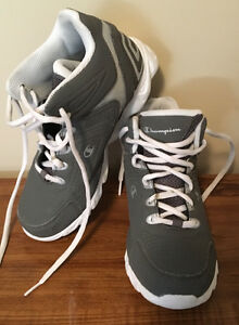 Champion youth basketball shoes size 3