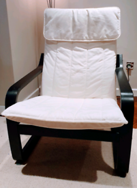 DELIVERY INCLUDED good condition wooden rocking chair