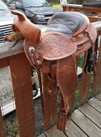 "15"" Western Rawhide Saddle with round skirt"