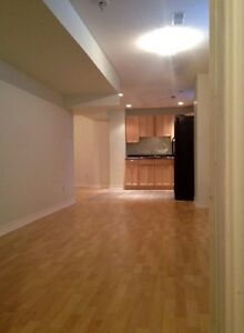 Modern Basement Apartment in South West Barrie Nov 1st