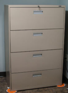 4 drawer lateral filing cabinet very good used condition
