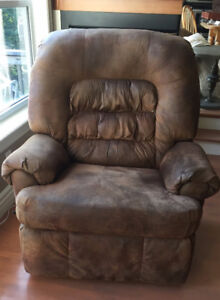 LArge Comfortable Recliner