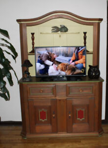 Wood Pine Buffet hutch armoire TV unit arts crafts bahut