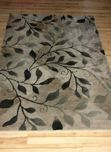 Leaf Diamond Area Rug