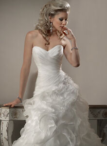 Beautiful Maggie Sottero Miri Wedding Dress for sale $700 OBO Windsor Region Ontario image 5
