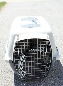 Petmate Pet Taxi Dog Cat Carrier Kennel