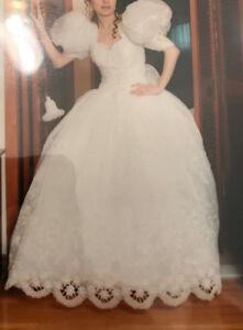 ORGANZA PRINCESS STYLE WEDDING DRESS