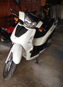 2009 Kymco People S Scooter