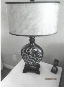 2 STYLISH TABLE LAMPS