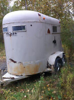 2 Horse Bumper Pull Horse Trailer, Just Needs Painting!