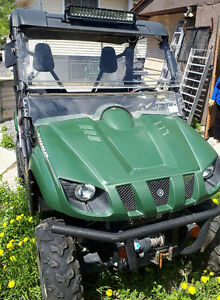 Yamaha Rhino 700 side by side and accessories with only 2300 km
