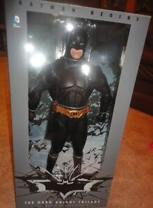 1/4 SCALE NECA BATMAN DARK NIGHT (C. BALE)