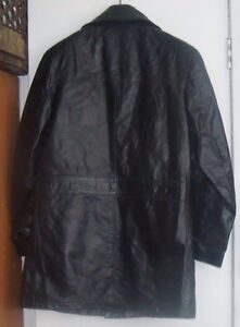 VINTAGE 1/2 LENGTH BLACK LEATHER COAT West Island Greater Montréal image 2