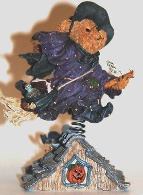Boyds Bears resin bear witch /broom