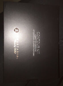 Brand New Anastasia Beverly Hills Contour Kit Light to Medium