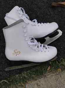Figure Skates Ladies Size 4