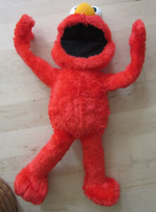 Big Hugs ELMO, very good condition