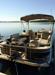 2016 Pontoon with speed performance package