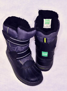 Kids winter boots size 2