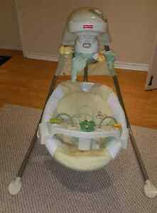 Fisher Price Papasan  Cradle Swing