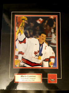 Mario Lemieux Captain Team Canada Gold Medal hockey NHL with pin