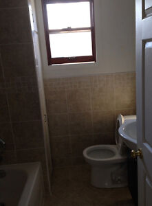 Near the University rooms for rent Windsor Region Ontario image 3