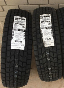 Brand New Pair of 205/70R16 Dunlop Grandtrek SJ6 Winter Tires