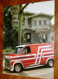 PHOTO CUSTOMIZED FORD ECONOLINE VAN IN 1970S / VINTAGE 70S RETRO