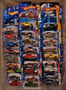 HUGE Lot 600 Hot Wheels 1999-2004 Mixed Mint on Cards NEW !!!!! Prince George British Columbia image 3