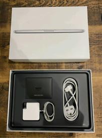 MacBook Pro 15'' 2.2Ghz 16GB 256 GB a1398 new battery london full set