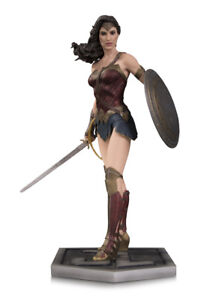 wonder woman justice league 12 inch statue $150.00 new