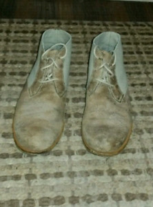Size 10 Rockport 'day to night' desert boots for sale