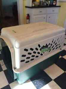 Brand New Ruffmaxx Large Dog Kennel/Crate
