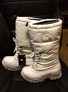 White Sorel boots, New with tags, Womens size 6