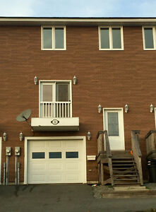 3 bdrm townhome, garage, 5 kms from UNBSJ and SJRH