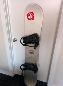 153 K2 snowboard and bindings