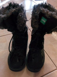 Winter boots for girls.