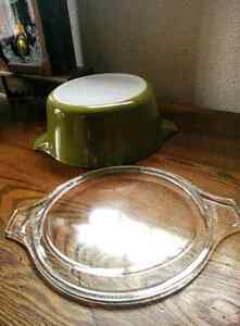 Vintage Pyrex Verde 2 1/2 qt Cinderella Casserole 475-B Kitchener / Waterloo Kitchener Area image 2