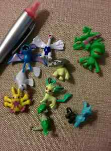 Small Pokémon figures