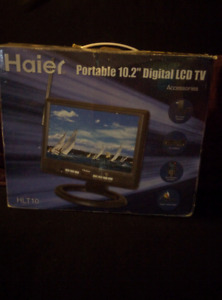 Portable LCD flat screen TV