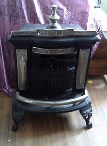 NEWFOUNDLAND FRANKLIN WOOD STOVE