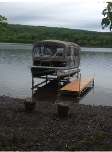Hewitt Boat Lift/For Pontoon or Power Boat