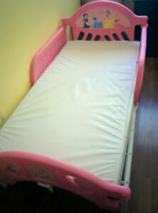 A Toddler bed for girls