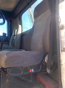 INTERNATIONAL 9400 DRIVER SIDE SEAT