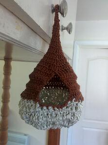 Handmade nest /nid fait à la main